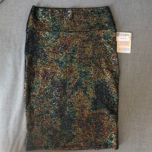 NEW WITH TAGS Lularoe Cassie Skirt